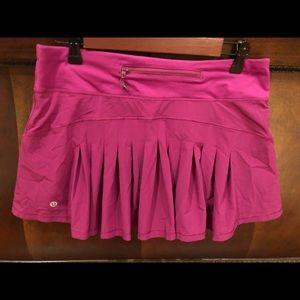 Lululemon Circuit Breaker Skirt size 8 Fuschia